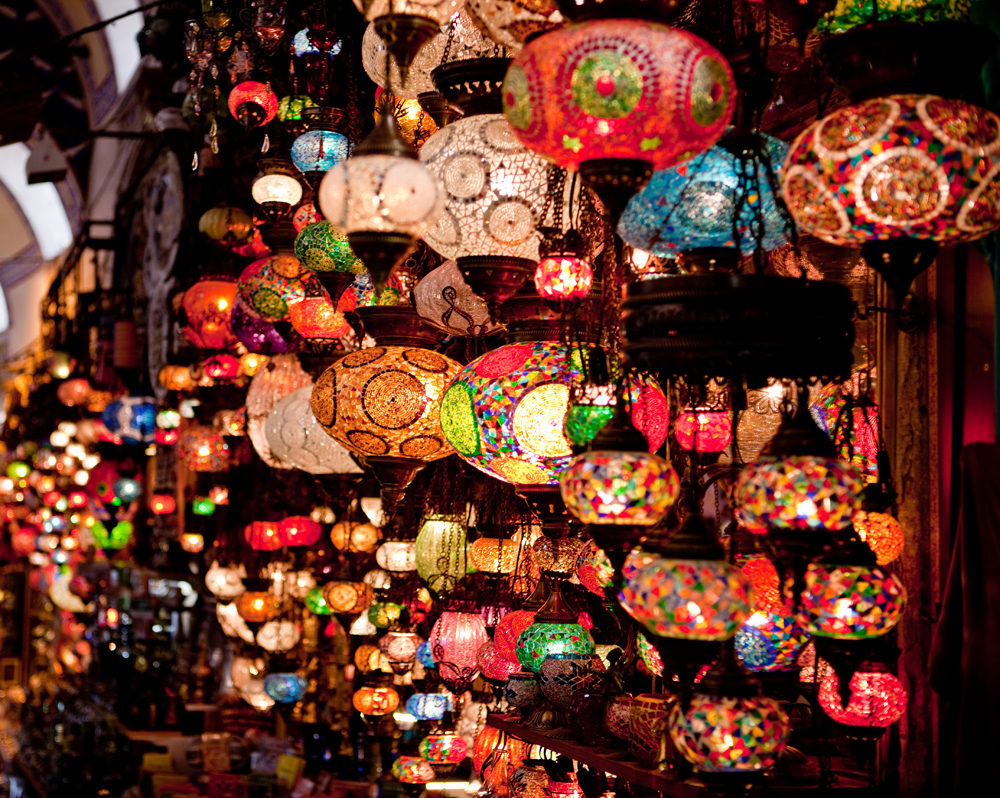 Lanterns_in_the_Grand_Bazaar